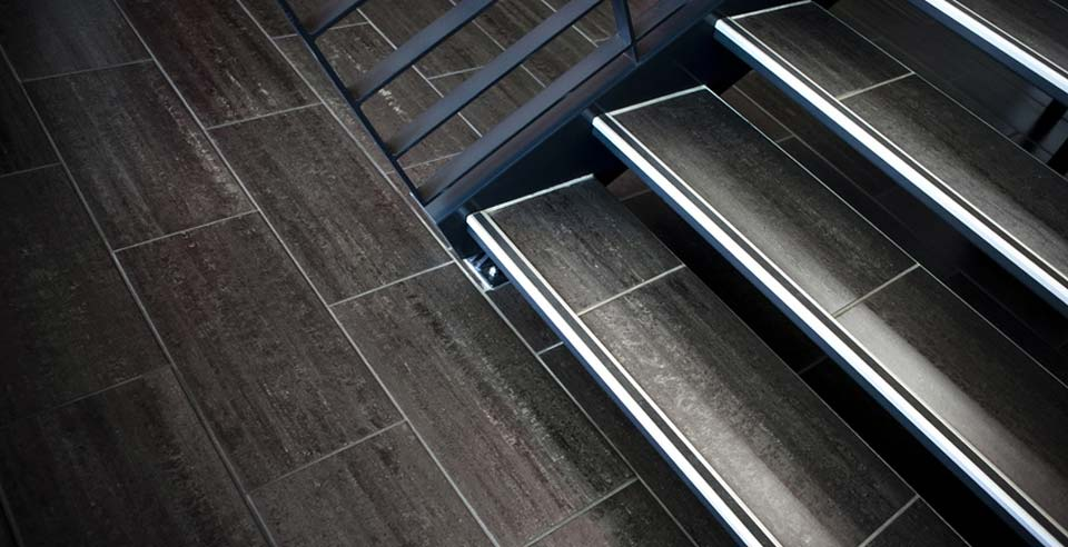 Willkommen auf p und k ceramica - Treppe fliesen mit schiene anleitung ...